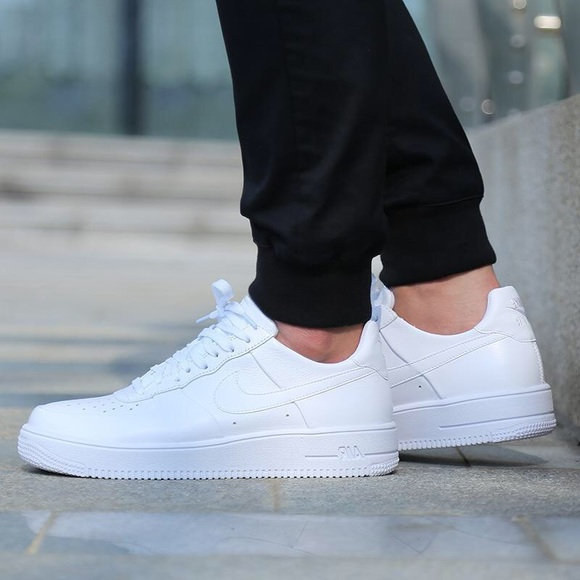 95b1a900fa5d NEW Nike Air Force 1 Women s Size 7.5